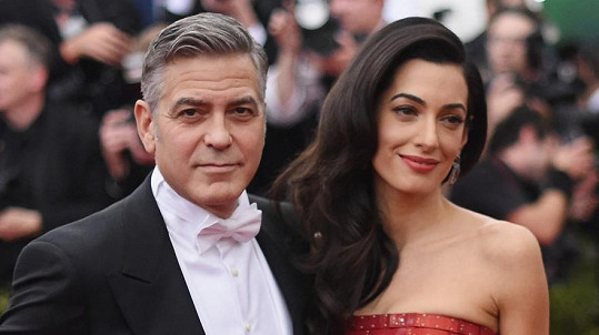George a Amal tvoří krásný pár, už jim chybí jen miminko.