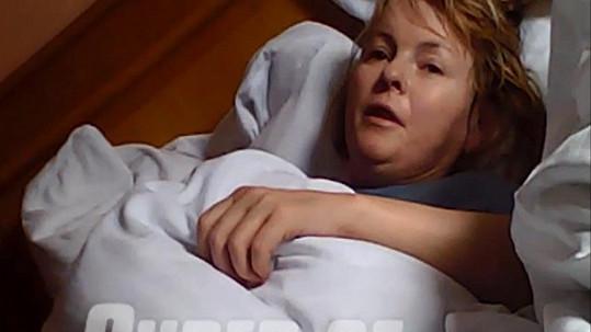 Iveta Bartošová v nemocnici.