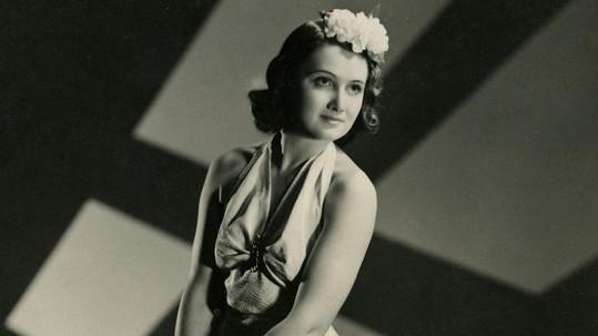 Ani jako dcera slavných rodičů Marta Fričová díru do světa filmu neudělala.