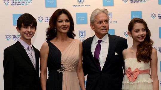 Douglas a Zeta-Jones ukázali své děti.