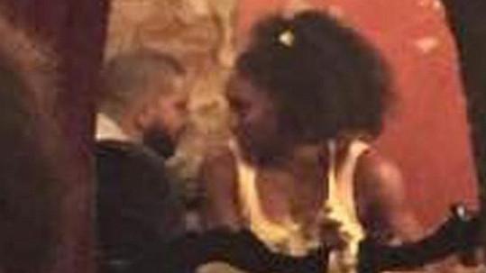 Mezi Serenou Williams a Drakem se nejspíš znovu rozhořela láska.