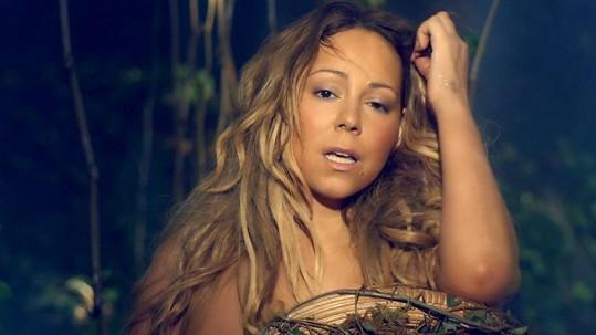 Mariah Carey na to má.