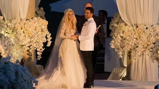 Casey se vdávala jako princezna.