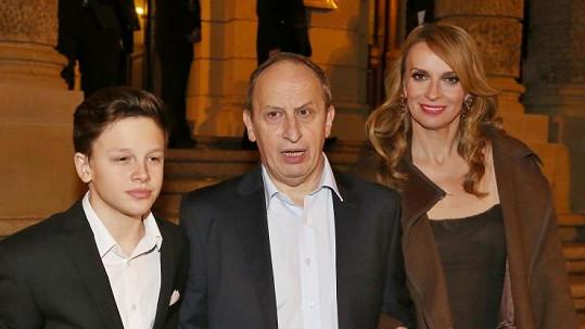 Jan Kraus s Ivanou Chýlkovou a synem Jáchymem.