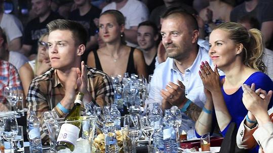 Tomáš Řepka se synem Tomassem a přítelkyní Kateřinou Kristelovou