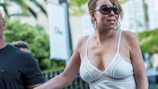 Mariah Carey na francouzské Riviéře