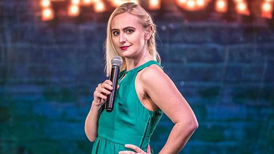 Lucie Macháčková se se známými osobnostmi nemazlí.