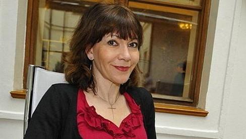 Michaela Dolinová na půdě parlamentu při tiskovce k soutěži o nejkrásnější zdravotní sestřičku.