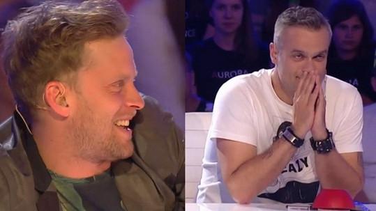 Jakub Prachař se směje Jaro Slávikovi.