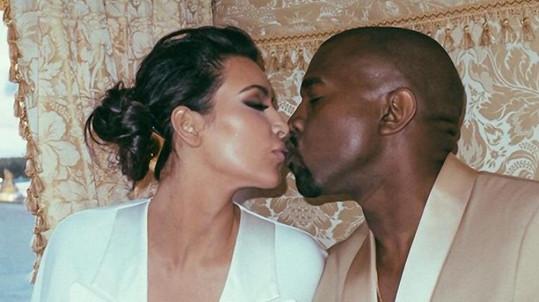 Kim a Kanye už vědí, jaké pohlaví bude mít jejich druhé dítě.