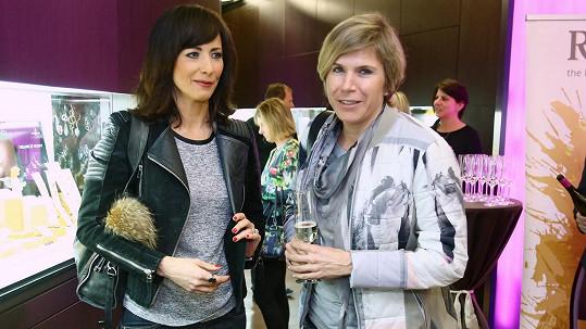 Kateřina Neumannová (na snímku s Danielou Šinkorovou)