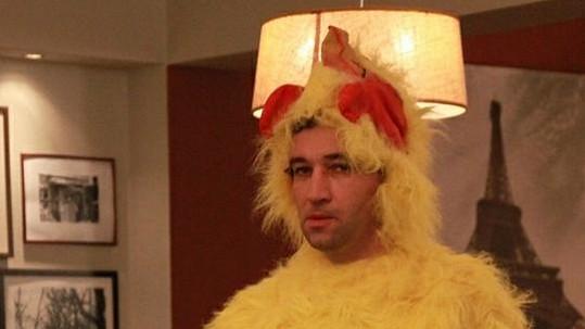 Bavič roku se v novém seriálu objeví v roli kuřete či párku v rohlíku.
