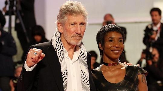 Roger Waters a Kamilah Chavis