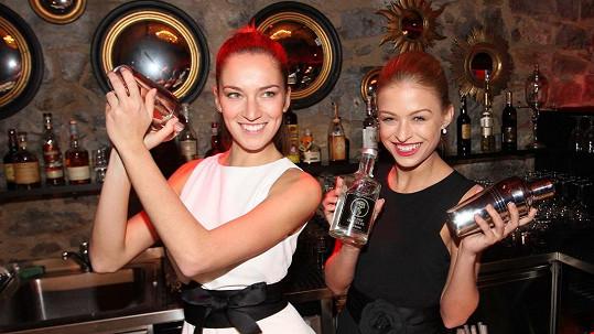 Úřadující Česká Miss (vlevo) se musí vyrovnávat s kritikou.