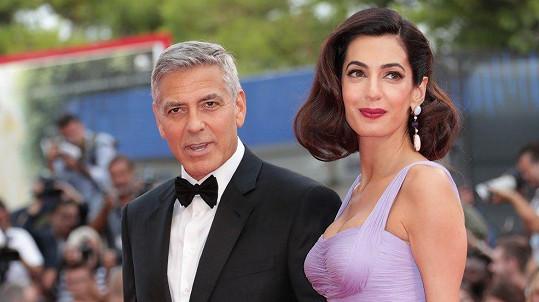 George a Amal okouzlili Benátky.