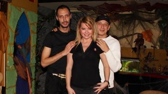 Iveta Bartošová s Theodorem Hoidekrem (vlevo) a Martinem Wolfem.