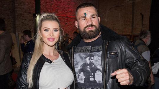 Lela Ceterová a Karlos Vémola oznámili rozchod.