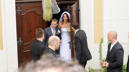 Jeden z mála úsměvů podruhé vdané paní Prachařové.