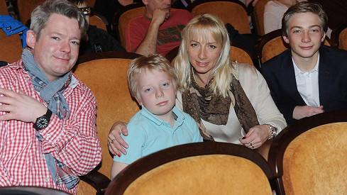 Aleš Háma s manželkou a syny