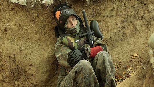 Veronika Žilková v adrenalinové scéně seriálu Všechny moje lásky