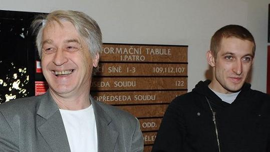 Josef Rychtář se zpovídá u soudu.
