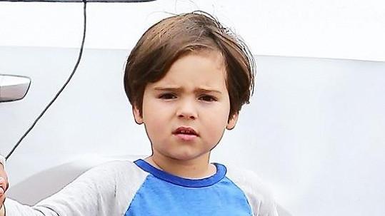 Flynn je spojením modelky a herce.