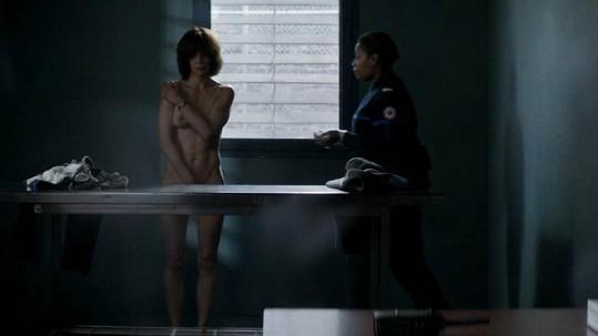 Sophie úplně nahá!