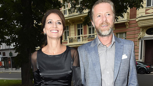 Adéla Gondíková a Jiří Langmajer jsou pořád zamilovaní až po uši.