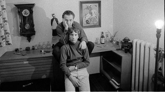 Miroslav Horníček se synem Honzou na snímku z roku 1966