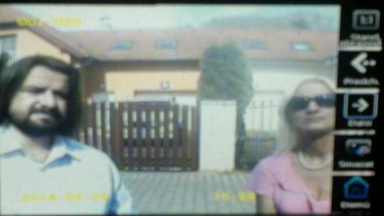 Zdeněk Macura a jeho přítelkyně na kamerovém záznamu v domě Ivety