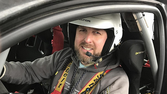 Tomáš Hauptvogel se adrenalinu ani po nehodě nevzdává.