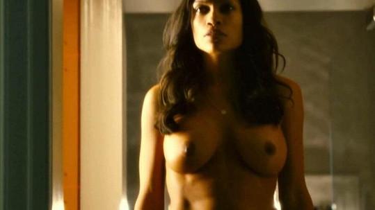 Rosario Dawson bez špetky ostychu ve filmu Trans.
