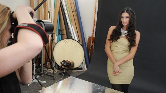 Miss České republiky 2009 fotila bez vrchního dílu spodního prádla.