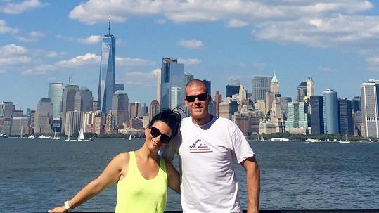 Bára Kozáková s budoucím manželem v New Yorku