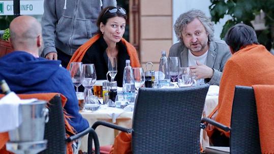 Adéla Gondíková s přáteli v Karlových Varech