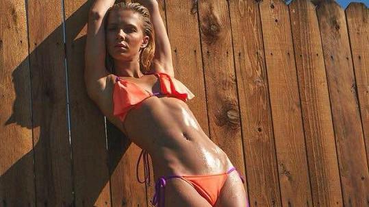 Sportovní postava předurčuje Terezu Jelínkovou k focení plavek.