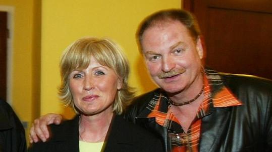 Petr Jančařík s nevlastní sestrou Alenou Poleníkovou, jejímž otcem je Jaroslav Marvan.