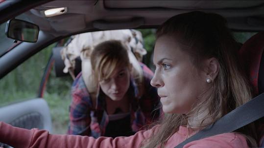 Petra Nesvačilová ve filmu Sněží! přihlíží svému skutečnému milostnému příběhu.