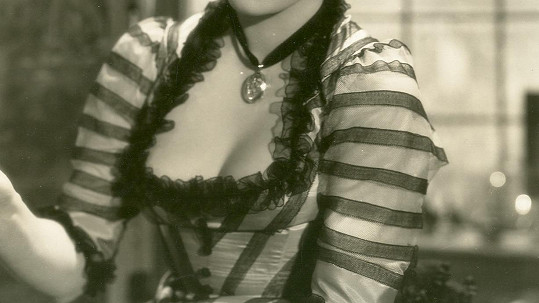 Poznáte dekolt hodně slavné české herečky?