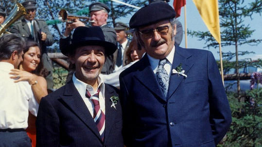 Josef Kemr (vlevo) a Jiří Sovák v legendárních Chalupářích