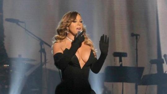 Mariah Carey ví, jak zaujmout.