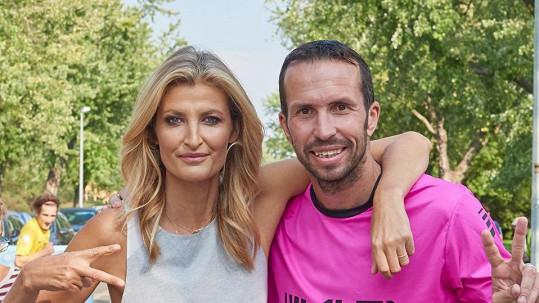 Radek Štěpánek často a rád podporuje projekty kamarádky Terezy Maxové.