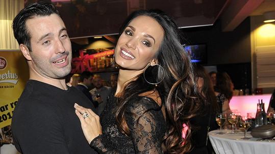 Vašek Noid Bárta už je rozvedený s manželkou Gábinou.