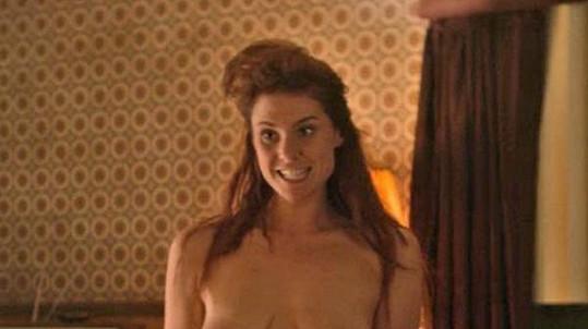 Kate ukázala prsa.