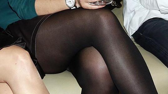 O 10 kilo lehčí herečka může směle obléknout krátké sukně.