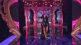 Kim Kardashian zakopla na předávání cen MTV