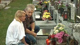 Iveta Bartošová mluví s mrtvým otcem.