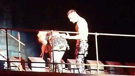 Lady Gaga zvracela na pódiu