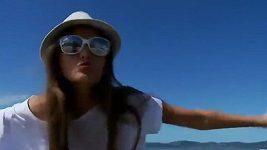Tato přitažlivá Brazilka vydražila své panenství za 15 miliónů