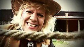Marie Pojkarová natočila další šílený klip s názvem Až tě uvidí.